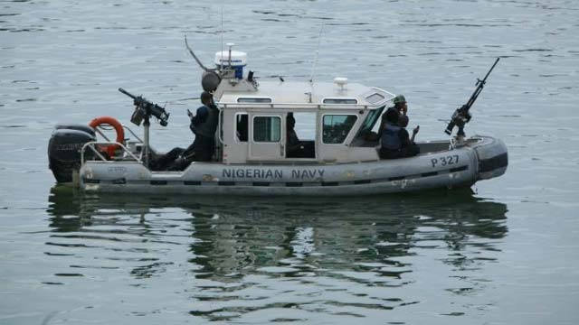 Nigeria naval officers attack pirates, rescue Chinese vessel
