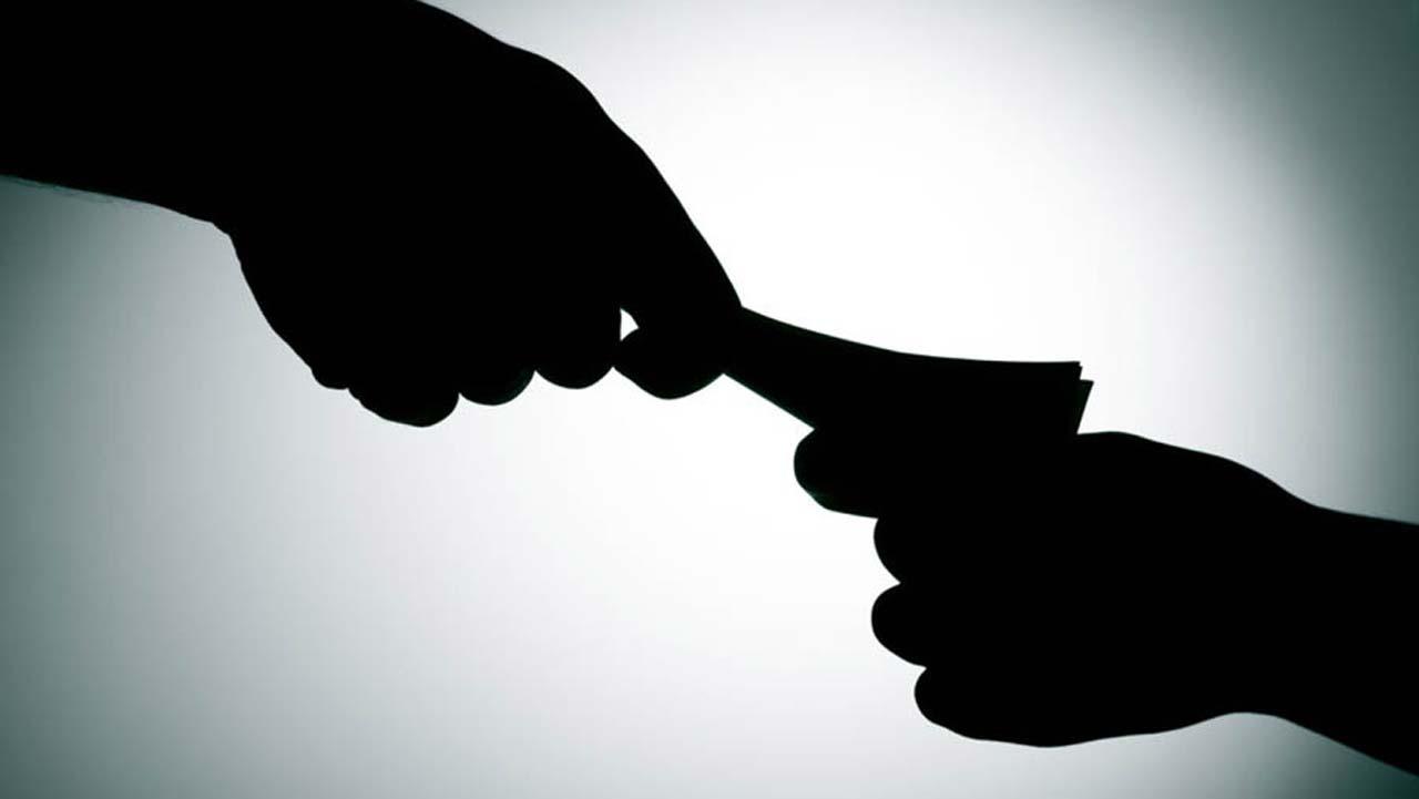 Corruption war goes clubbing