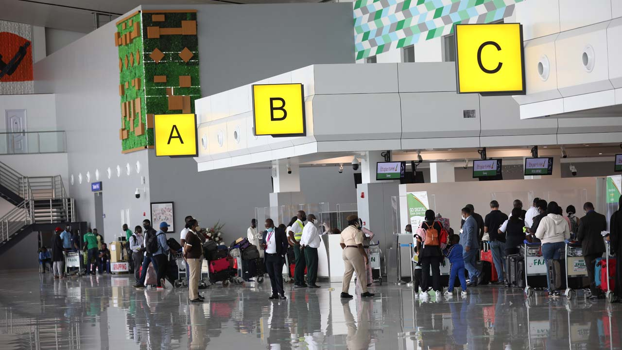 Lagos threatens to sanction international travelers evading COVID-19 test