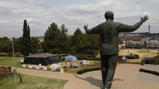 South Africa opens borders to African countries, limits othersWorld