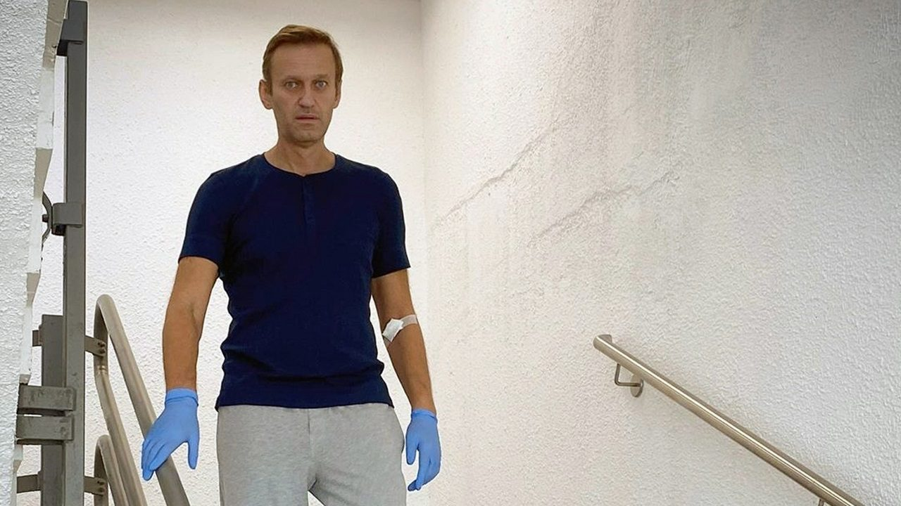 Putin critic Alexei Navalny demands Russian Federation  return his clothes after suspected poisoning