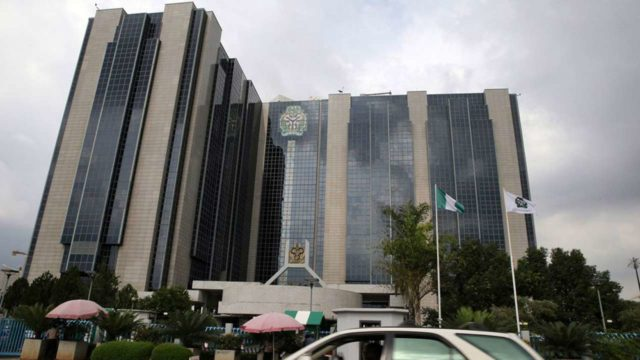 experts-want-sec-cbn-clear-directive-on-cryptocurrency-in-nigeria