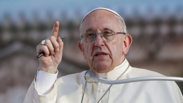 Pope voices 'solidarity with people of Myanmar'