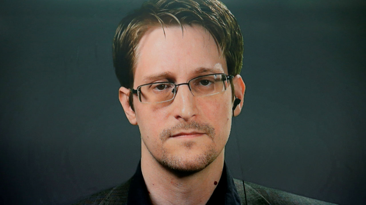 Lawyer: Snowden granted permanent residency in Russian Federation