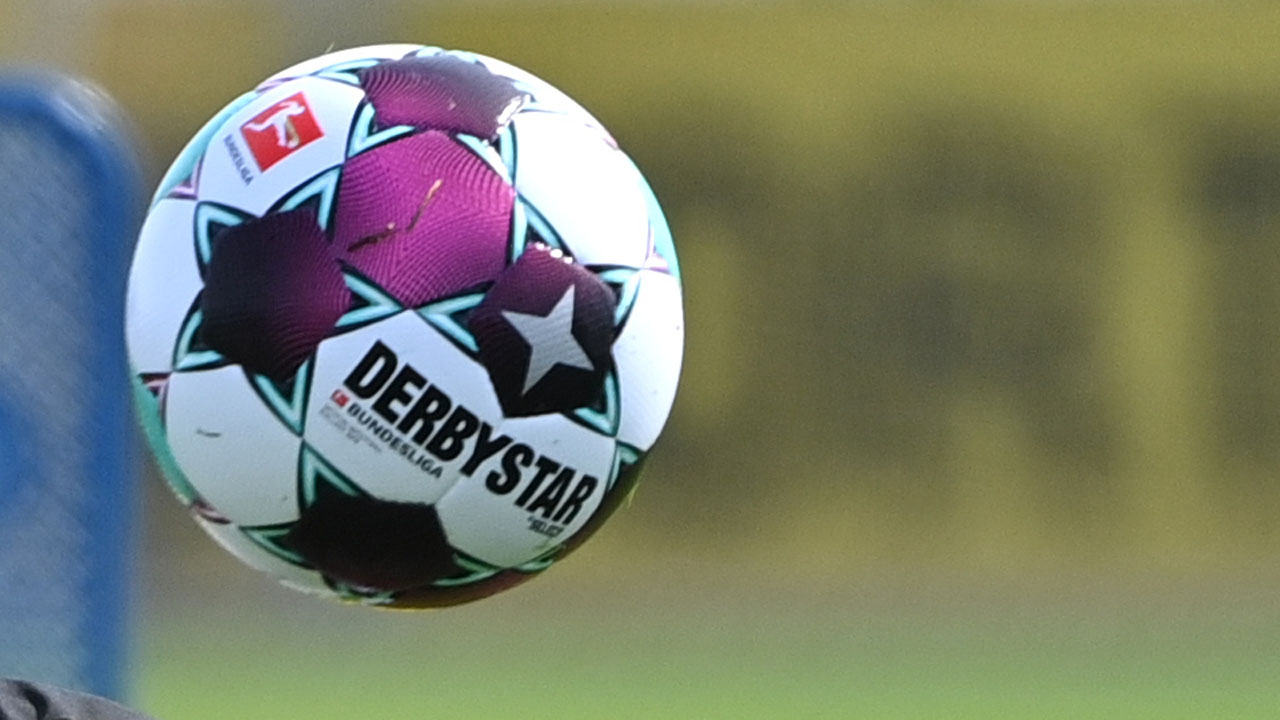 Each fanless match costs Dortmund four million euros thumbnail