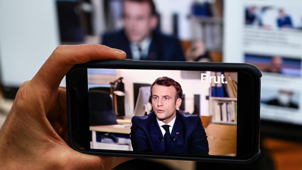 Macron keeps options open for 2022 polls