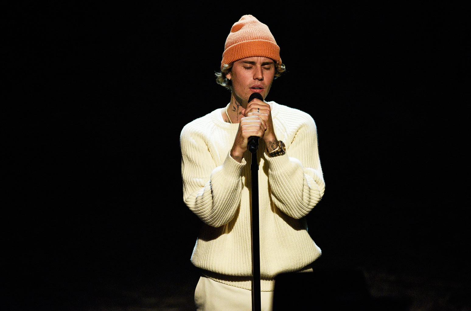 Justin Bieber Leaves Hillsong Church, Not Becoming A Minister