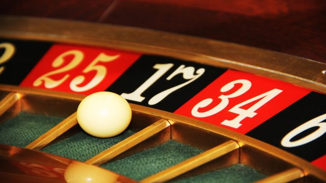 Top unknown benefits of playing at online casinos