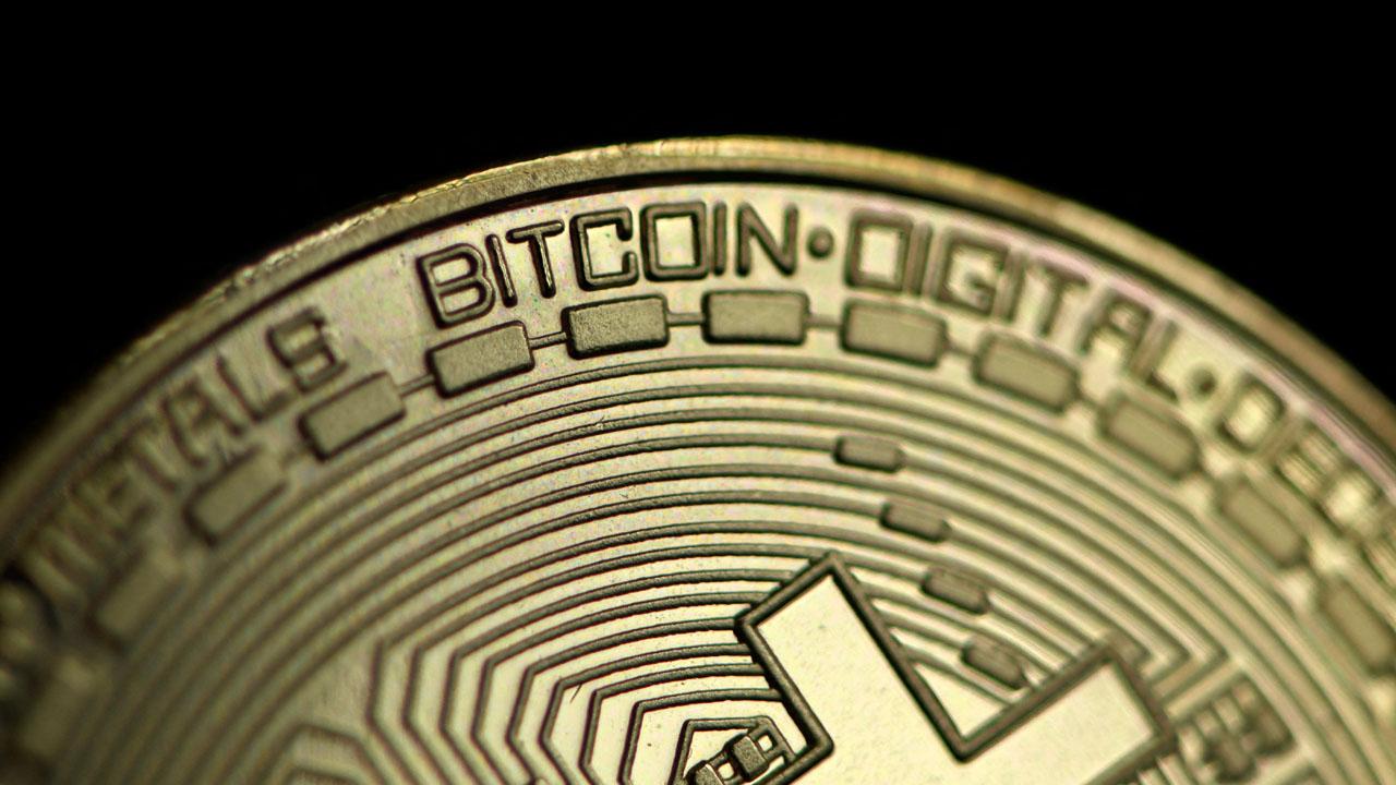 Coinbase makes stock market debut, maintains many positives