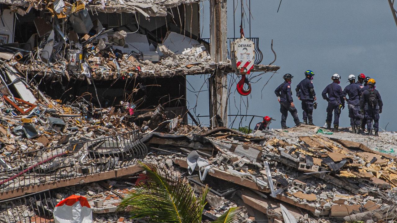 Partial building collapse kills 5 in Georgia