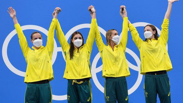 Australian women hail camaraderie after smashing relay world record