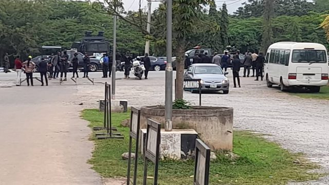 Heavy security as IPOB leader Nnamdi Kanu arrives court