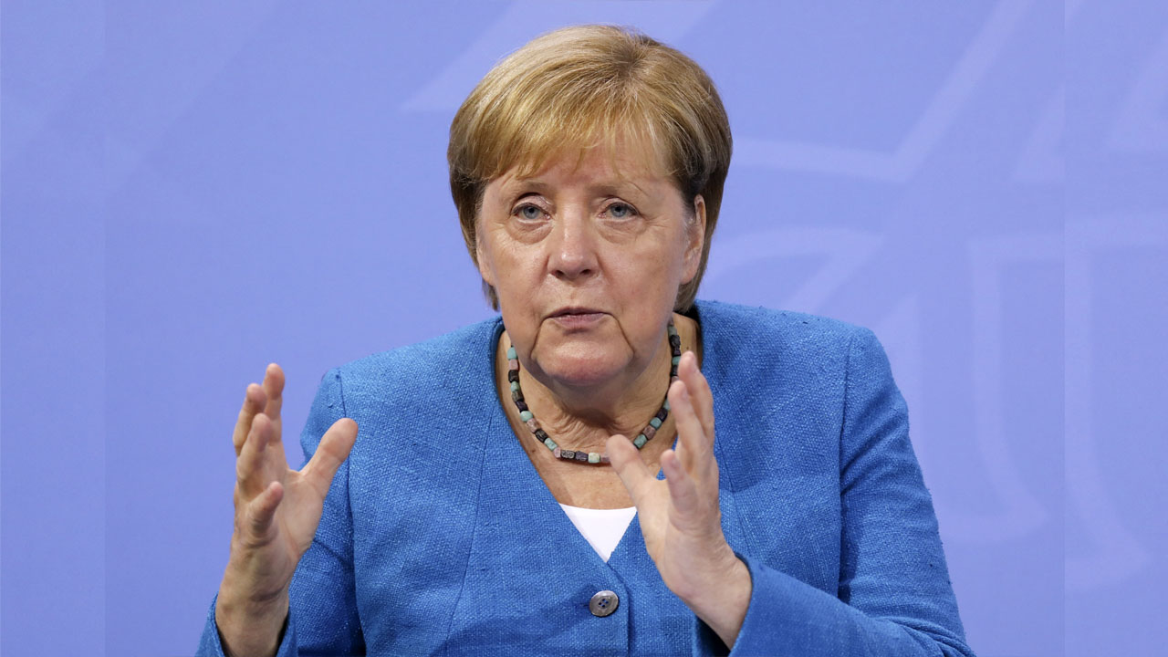 Merkel's final push for party and stability in knife-edge polls