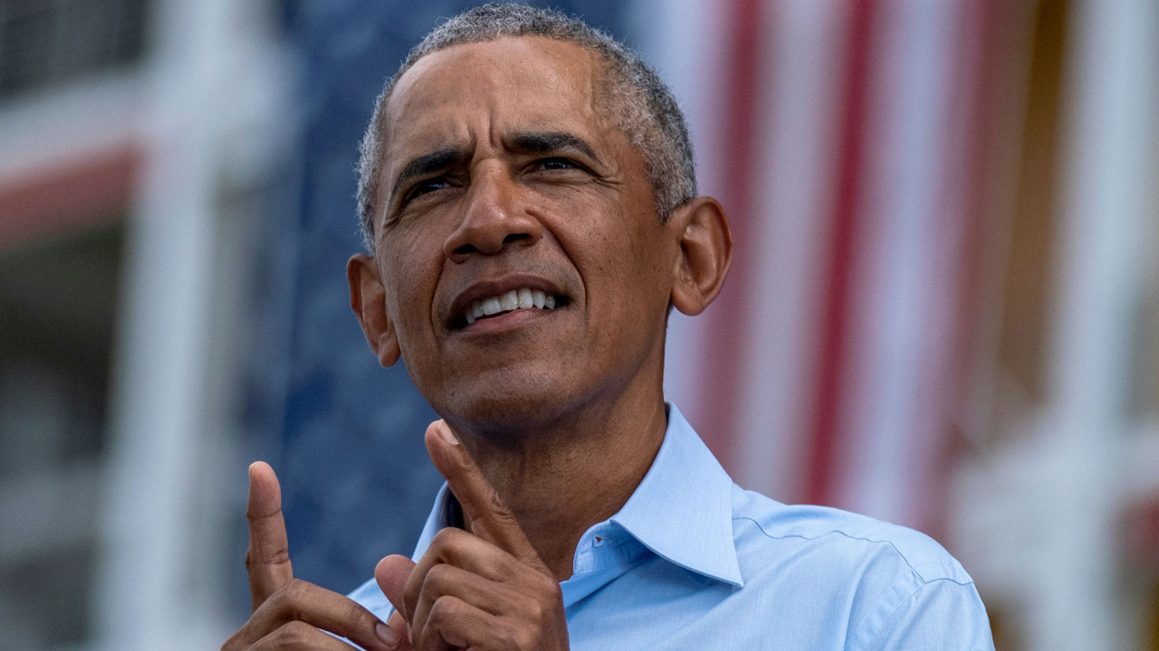 Obama hits the stump in US battleground Virginia