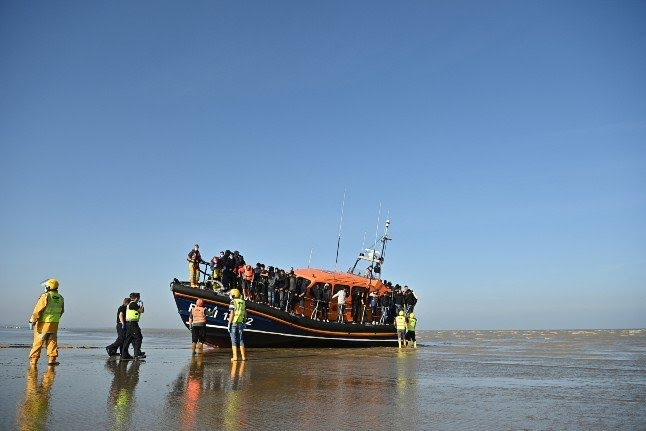 French rescue 126 migrants attempting Channel crossing