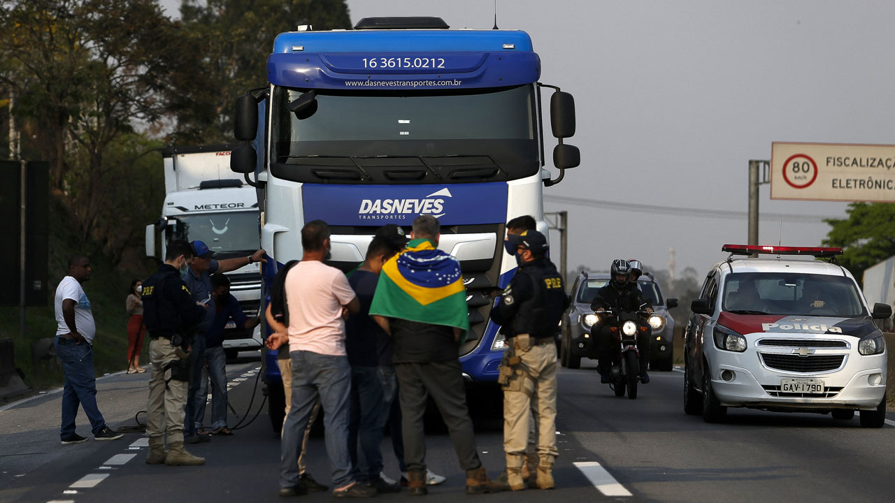 Pro-Bolsonaro truckers block Brazil highways