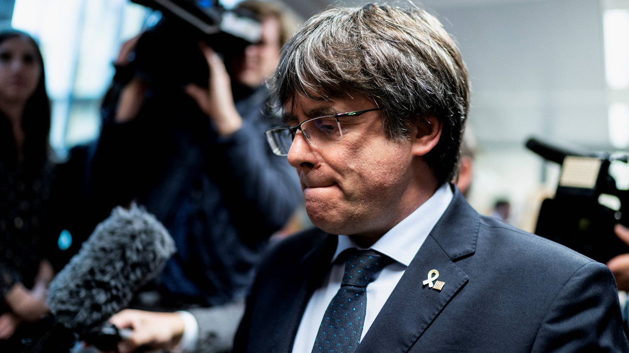 Catalan separatist leader Puigdemont due in court after Italy arrest