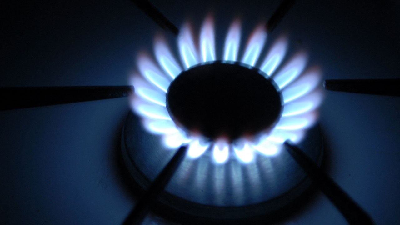 UK holds emergency meeting over soaring gas prices