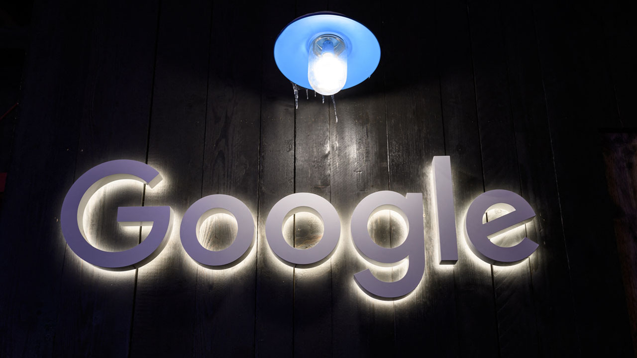 Russia accuses Google, Apple of election interference