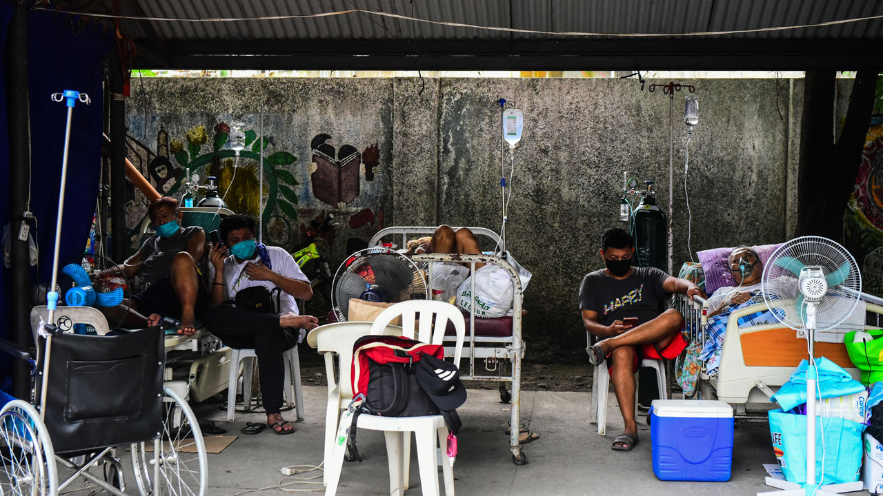 Philippines lifts lockdown in capital as virus surges |