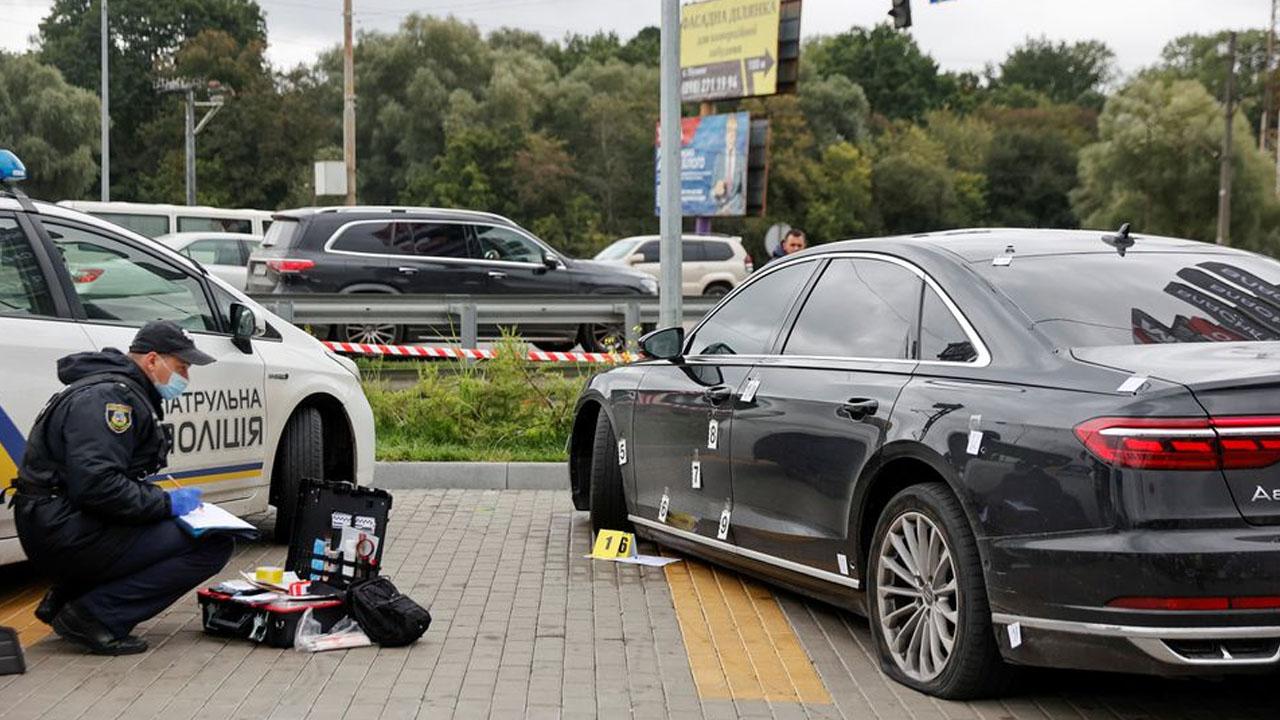 Gunmen target Ukraine president aide in 'assassination attempt' thumbnail