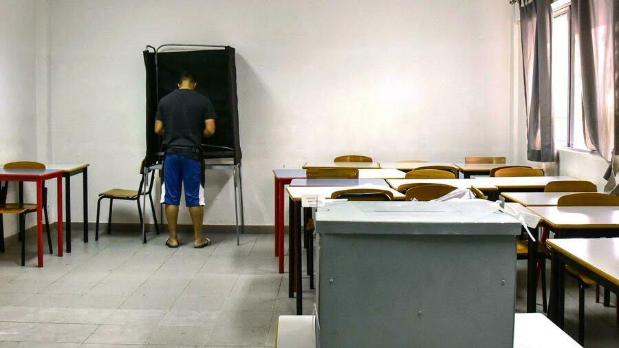 Cape Verde goes to polls for new president in economic turmoil