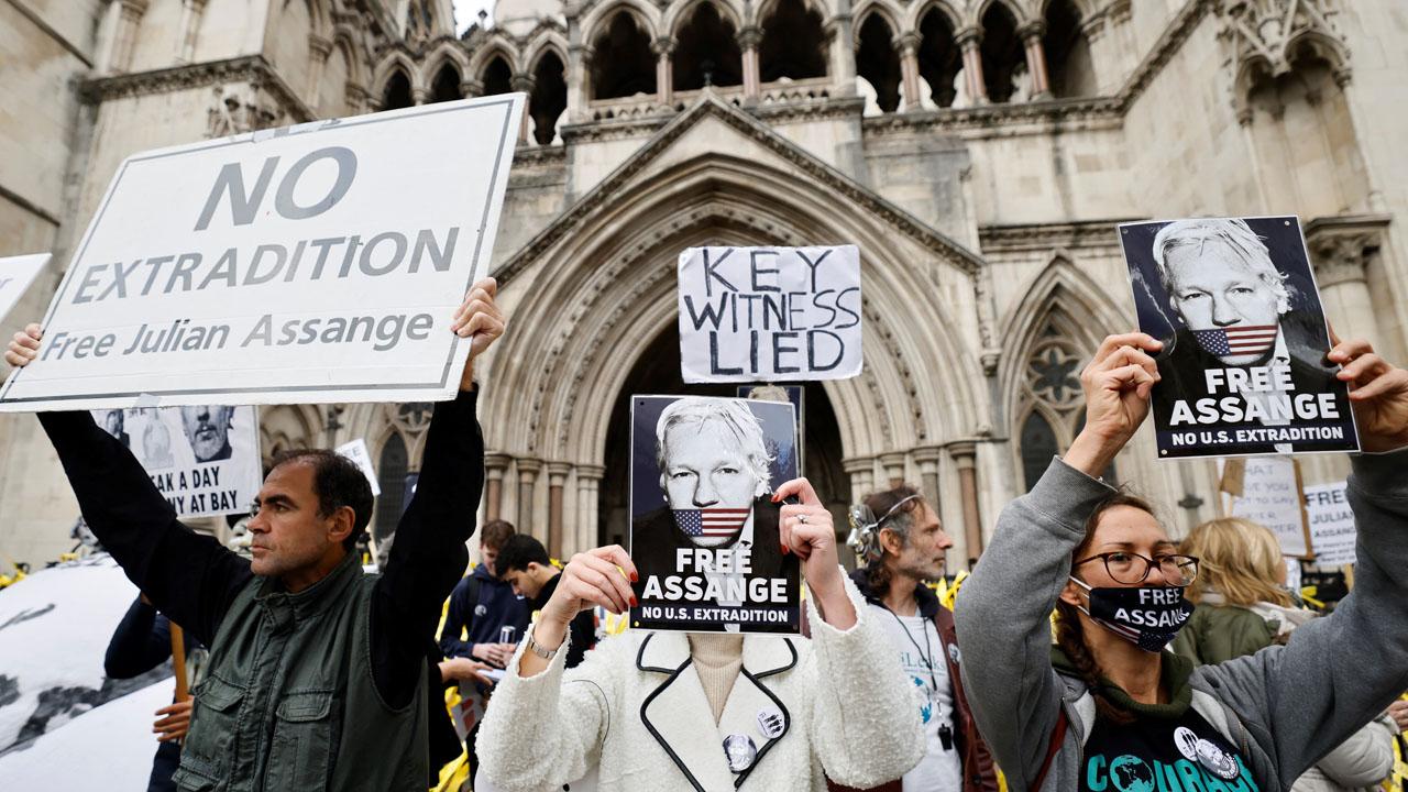 Assange lawyer argues WikiLeaks founder still suicide risk