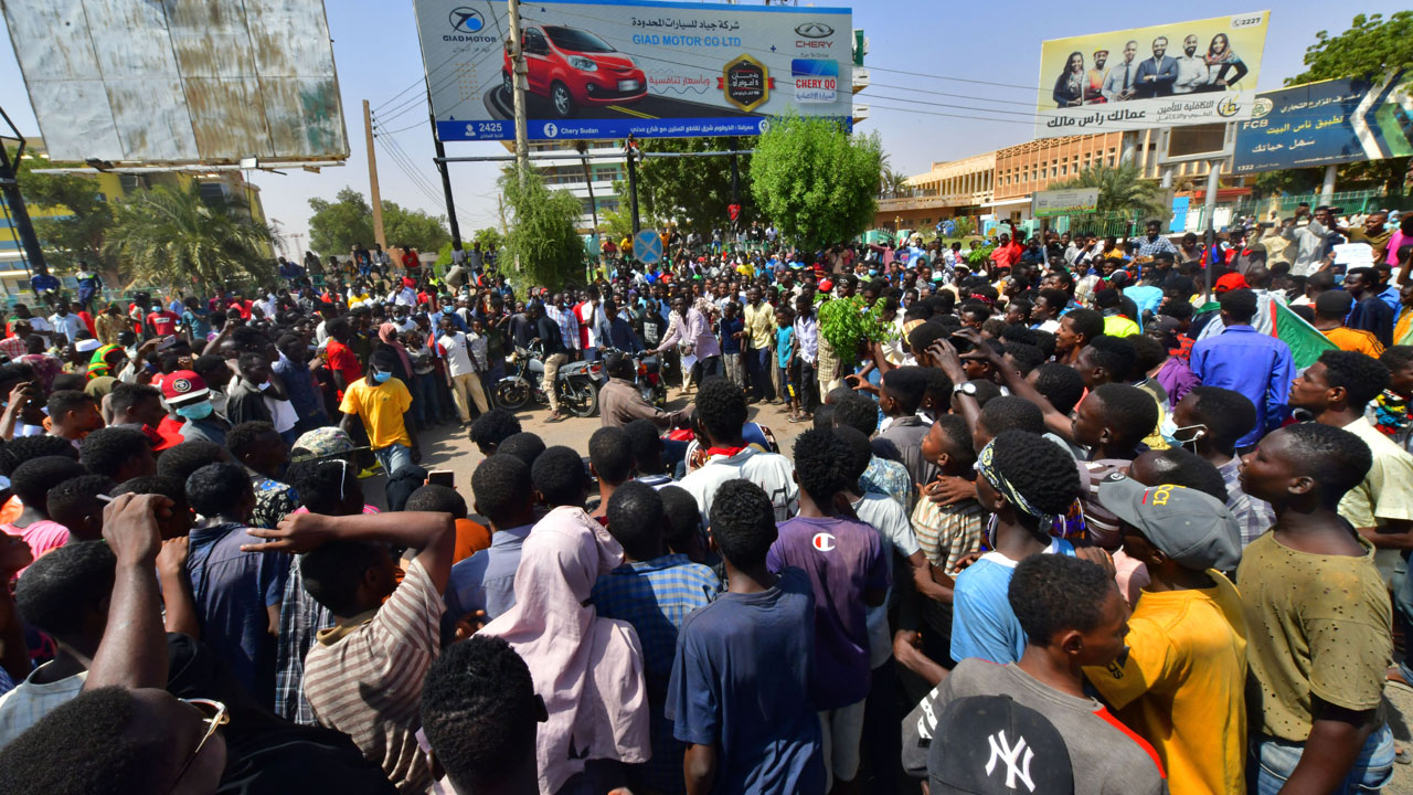Sudanese stand ground in protests against coup
