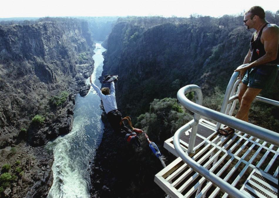 214348-victoria-falls-bridge