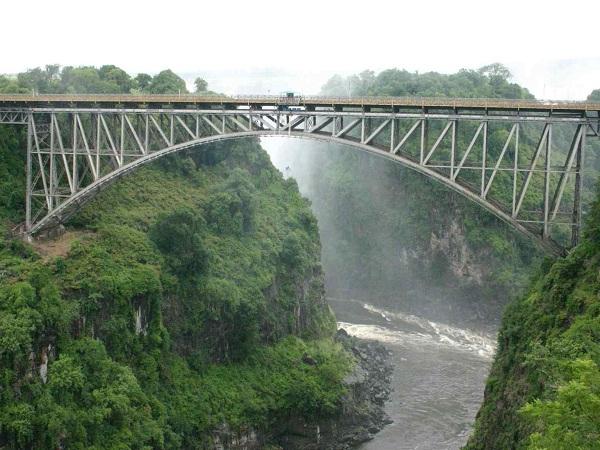Victoria-Falls-Bridge-Zambia-bungee-jumping