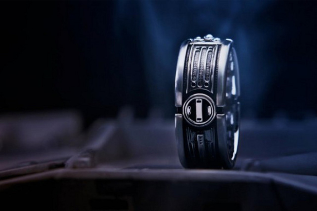 11. Light Saber Ring for the true jedi