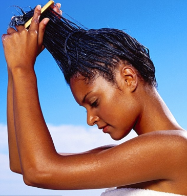 5 Natural Remedies To Control Frizzy Hair