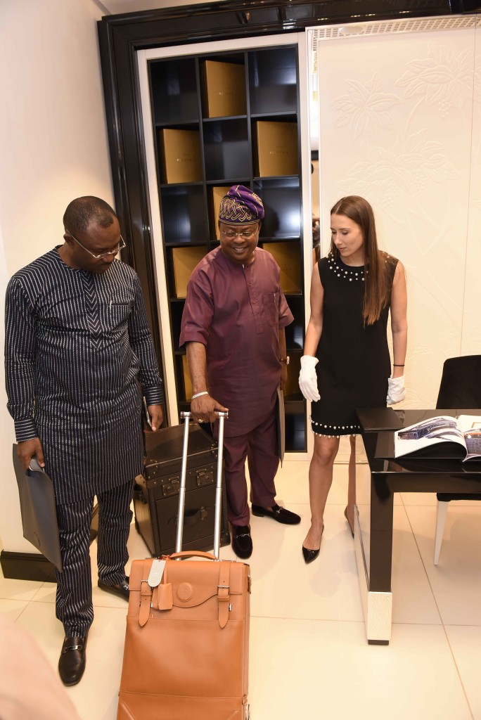Prince Rotimi Ibinabo, Chairman Aerotech Offshore (middle) wheeling a display Artcase in Alter Ego Private Atelier.(170) JPG